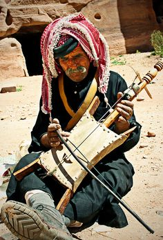 The One String Wonder Amman, Jordan ... I saw him in Petra!!