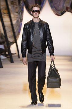 Look 7 - #Versace Men's Spring/Summer 2016 show. #VersaceMenswear