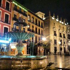 Plaza Nueva en Granada, Andalucía