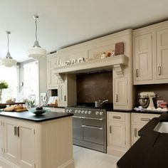 1000 images about cream and beige kitchen on pinterest for Cream and brown kitchen ideas
