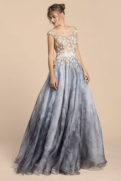 91c4208bbe5 15 Floor-Length Prom Dresses That Would Make Cinderella Jealous