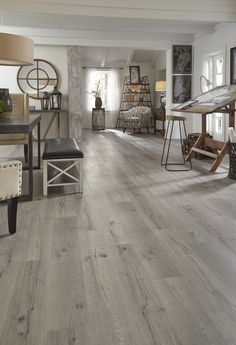 house flooring The Pros and Cons Why to Choose Vinyl Plank Flooring - Enjoy Your Time Vinyl Wood Flooring, Grey Flooring, Flooring Ideas, Grey Hardwood Floors, Vinyl Planks, Evp Flooring, Luxury Vinyl Flooring, Engineered Hardwood Flooring, Carpet Flooring