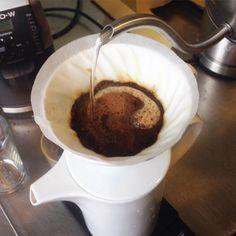 Koffie bij de lunch deze komt uit Ethiopië. Een heerlijke gelaagde koffie met een volle body en een zacht - zoete smaak. Online te bestellen bij #koffiestation. One of our favorites the Ethiopian pourover coffee from our roastery. It's a complex coffee with a full body and a soft and sweet taste. You can get it online #koffiestation.nl #coffeeshop. #filterkoffie #coffee #fresh #groningen #050 #love #koffie #branderij #koffiebranderij #specialtycoffee #pourover http://ift.tt/20b7rle