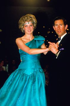 Prince Charles Prince of Wales and Princess Diana Princess of Wales dance together at a ball during their tour of Australia on October 31 1985 in. Princess Diana Jewelry, Princess Diana Dresses, Prince And Princess, Princess Of Wales, Prince Charles, Charles And Diana, Lady Diana Spencer, Royal Dresses, Nice Dresses