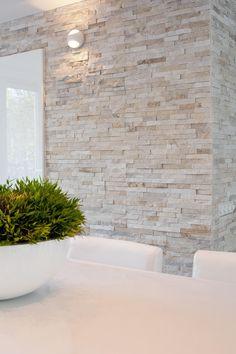 Kitchen wall with Barroco Stone panels