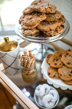 holiday cookie party, cookie bar, holiday party ideas, haute off the rack, chocolate chip cookies, hot chocolate station, cake stand,