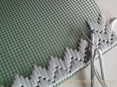 """diy_crafts- astranonsoloborse: Come lavorare la fettuccia nella rete """"This is a form of weaving that is a little like rug making. It produces an Plastic Canvas Stitches, Plastic Canvas Crafts, Plastic Canvas Patterns, Bargello Needlepoint, Needlepoint Stitches, Embroidery Stitches, Recycled Fabric, Handmade Bags, Rug Making"""