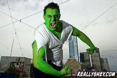 How to Make an Incredible Hulk Costume thumbnail Fall Halloween, Halloween Party, Halloween Costumes, Halloween Makeup, Incredible Hulk Costume, Captain America Birthday, Picture Blog, Diy For Men, The Incredibles