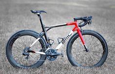 Super nice BMC with Ultrgra Di2 and ENVE composite wheels . Photo Credit: @dkavalieros #bmc #roadbike #enve #aero