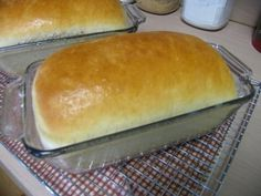 Mommy's Kitchen: Perfectly Easy Amish White Bread With this receipe l also make 12 nice size bread buns, this receipe is very tasty and works everytime! Keeper! Amish Bread Recipes, Amish White Bread, Cinnamon Swirl Bread, Vegan Bread, Cooking Recipes, Kitchen Recipes, Yummy Recipes, Meal Recipes, Crockpot Recipes