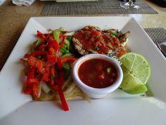 Eten bij playa Kalki Curacao