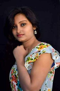 Afuni's Knowledge Hub : Literally I'm Looks That Beautiful Girl In India, Beautiful Women Over 40, Beautiful Girl Photo, Most Beautiful Indian Actress, Beautiful Saree, Beautiful Eyes, Beautiful Actresses, Cute Beauty, Beauty Full Girl