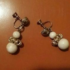 VINTAGE EARINGS. Beautiful vintage earings! Accessories Gloves & Mittens