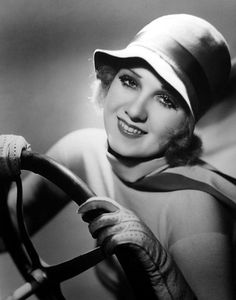 Anita Page #1920s #fashion #photo #vintage #gloves #hat