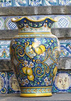 Mediterranean Art, Pottery Vase, A 17, Art Inspo, Decorative Boxes, Ceramics, Tableware, Instagram Posts, Inspiration