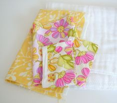 Two Plus Four - formerly KdBuggie Boutique: Tutorial: Cloth Diaper Burp Cloths Diy Baby Bibs Pattern, Baby Bibs Patterns, Bib Pattern, Cloth Diapers, Burp Cloths, Burp Cloth Tutorial, Straight Stitch, Coordinating Fabrics, Learn To Sew