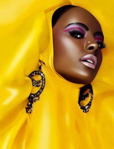 Love the icy pink lip on the dark skin tone black women nice make up Afro, Dark Skin Tone, My Black Is Beautiful, Beautiful Women, Gorgeous Eyes, Beautiful People, Shades Of Yellow, Fashion Moda, Mellow Yellow