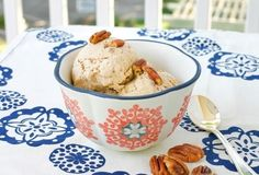 My favorite ice cream flavor is Butter Pecan. I love the rich taste of toasted pecans and vanilla. The past few weekends I've been working on a Vegan Butter Pecan Ice Cream. This recipe is very sim… Dairy Free Ice Cream, Vegan Ice Cream, Mcdonalds, Flan, Peanuts, Granita, Protein Ice Cream, Dairy Free Recipes, Vegan Recipes