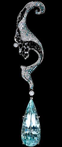 Autumn high jewellery Pendant