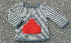 Nu står det jo ikke skrevet nogen steder, at det kun er Sigurd, der må gå med… Knitting For Kids, Crochet For Kids, Knitting Projects, Baby Knitting, Baby Kind, Baby Love, Crochet Bebe, Knit Crochet, Baby Barn