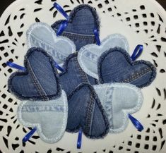 New Photos 60 original jeans upcycling ideas to imitate Suggestions I really like Jeans ! And a lot more I love to sew my very own Jeans. Next Jeans Sew Along I'm l Jean Crafts, Denim Crafts, Upcycled Crafts, Sewing Crafts, Sewing Projects, Jean Diy, Diy Old Jeans, Denim Blog, Fabric Hearts