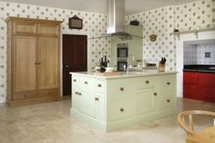 Bespoke Kitchens from Cotswood Fine Furniture http://www.periodideas.com/bespoke-kitchens-cotswood-fine-furniture