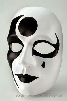 Resultado de imagen para mascaras de yeso de blanco y negro