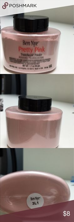 Ben Nye Translucent Powder, Pretty Pink Authentic Ben Nye Face Powder. Translucent in Pretty Pink. This is the larger 1.7oz/49gram bottle. This has been used a few times but 85% of the product is still in the bottle. Price reflects Ben Nye Makeup Face Powder