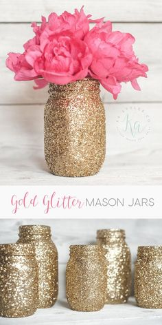More glitter! Have you made gold glitter mason jars? Do you want to? This more of a fun share post. 🙂 Check out my DIY glitter tutorial to make your own gold gl Pot Mason Diy, Mason Jar Crafts, Mason Jar Vases, Wedding Mason Jars, Diy Ouro, Gold Glitter Mason Jar, Glitter Wine, Glitter Crafts, Glitter Bomb