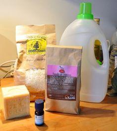 * Lessive : - un bidon de 3L ou plus - 100g de savon de Marseille - 50g de cristaux de soude - 2,5L d'eau - 15 gouttes d'huile essentielle d'eucalyptus * Assouplissant maison : 1 bidon de 750ml + 600ml de vinaigre blanc + bicarbonate de soude + 8 gouttes d'huile essentielle