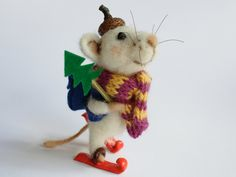 Needle felted Mouse. Miniature Mouse on skis with fir-tree and backpack. Winter decor. Christmas gift idea. by OlgaHappyHandmades on Etsy