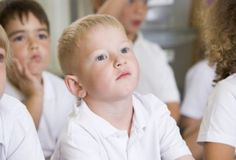 Signs and Symptoms of Auditory Processing Disorders Learning Centers, Learning Activities, Kids Learning, Learning Styles, Learning Tools, Auditory Processing Disorder, Sensory Processing, Apraxia, Signs And Symptoms