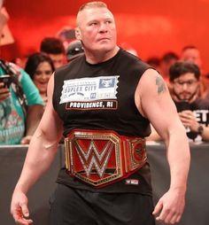 Happy birthday Brock Lesnar and happy birthday Sami Zayn! 41st Birthday, Wwe Roman Reigns, Batman Wallpaper, Brock Lesnar, Wwe Superstars, Bodybuilding, Tank Man, Champion, Wrestling