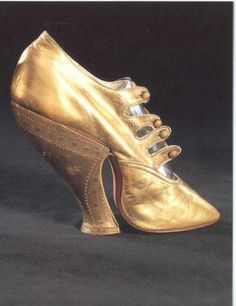 "fabulouslyfetish: "" maudelynn: "" Golden Victorian Shoe "" Absolutely beautiful, curvaceous shape, circa - the Victorians knew how to do it! "" This looks so uncomfortable. Is this something someone actually wore for normal activities? Victorian Shoes, Victorian Fashion, Vintage Fashion, Victorian Era, Vintage Gowns, Vintage Shoes, Vintage Outfits, Crazy Shoes, Me Too Shoes"