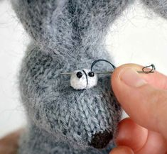 Knitting Eyes for Toys Knitted Stuffed Animals, Knitted Animals, Knitted Dolls, Crochet Dolls, Amigurumi Patterns, Knitting Patterns, Bunny Crochet, Mouse Crafts, Little Cotton Rabbits