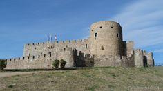 Castillo de La Adrada  El Castillo de La Adrada esta ubicado en la villa y municipio del mismo nombre en la provincia de Ávila, Comunidad Autónoma de Castilla y León, (España).  Mas información: http://castillosdelolvido.es/castillo-de-la-adrada/