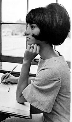 Big Vintage 60s Hair Repinned by le www.castingparisien.com