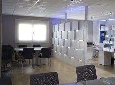 Revestimientos de paredes y tabique separador de espacios con Serastone para Oficina Etipón. Decoración Avanzada. Decoración Interiores. Para más info: http://www.serastone.com