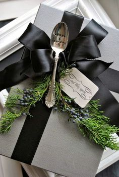 #Christmas #gift #wrapping #DIY #crafts ToniK ⓦⓡⓐⓟ ⓘⓣ ⓤⓟ Vintage heirloom spoons black& white elegant musingstomanifestations.blogspot.ca