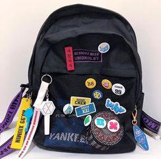 Mochila Kpop, Mochila Kanken, Mochila Grunge, Estilo Goth Pastel, Emerald Stone Rings, Bts Bag, Aesthetic Backpack, Exo Merch, Cute School Supplies