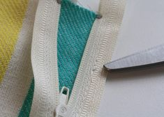 Installing a zipper... :) Good pics in this tutorial!