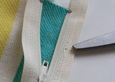 Installing a zipper... :) Good pics in this tutorial!