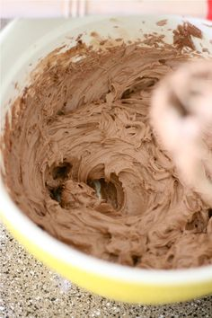 THE BEST {and easiest!!} Chocolate Frosting