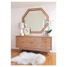Mirror mirror on the wall... ___ ___ #socalrealestate #homesweethome #losangeles #realestate #losangelerealestate  #design #interiordesign #inspo #decor #organized #homedesign #instadecor #instagood #dreamhome #homedecor #homedecorating  #contemporarydecor #happyhome #photooftheday #interiorinspiration  #UOhome #decorhome  #abmathome #designsponge #mirror #saturday #rug by lindi_spalatin http://discoverdmci.com