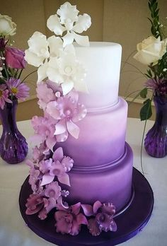 A wedding cake is a nice end to the wedding day. Beautiful sweet and tasty he pleases not only a couple but all the guests of the evening. What should be the wedding cake 2019 Small or large elegant or modern chic or modest you decide. Purple Cakes, Purple Wedding Cakes, Beautiful Wedding Cakes, Beautiful Cakes, Wedding Dress With Purple, Purple Wedding Colors, Purple Wedding Centerpieces, Beautiful Cake Designs, Indian Wedding Cakes