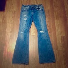 """Like New!! AE Distressed Jeans Like New!! AE Distressed Jeans are in great condition! No wear on bottoms! Regular length (31"""") American Eagle Outfitters Jeans Boot Cut"""