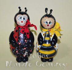Tays Rocha: Abelha e joaninha em cabaça #gourds #countrypaint #ladybug #bee