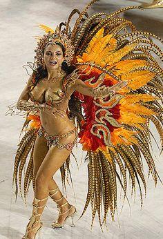 A ex-modelo Fabia Borges, nova rainha de bateria da escola de samba da Rocinha by ROCINHA.ORG - O Portal Oficial da Rocinha, via Flickr
