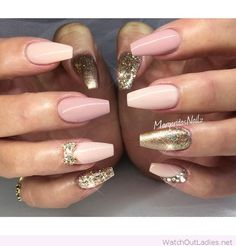 Nude and rose nails with golden details