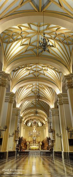 Panorama of the Cathedral of Lima (Central Nave), Peru. The Basilica Cathedral of Lima is a Roman Catholic cathedral located in the Plaza Mayor of downtown Lima. Beautiful Architecture, Beautiful Buildings, Art And Architecture, Architecture Details, Colonial Architecture, Cathedral Basilica, Cathedral Church, Machu Picchu, Beautiful World
